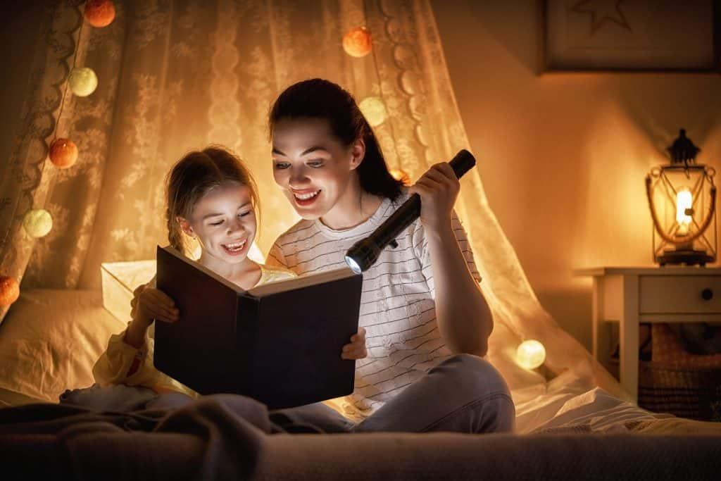 , 子供の英語力アップのためのおやすみ前のお話リスト